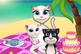 Кошка Анжела вместе с детьми на пикнике