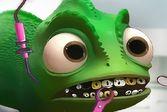 Восстановите поломанный зуб маленькому Паскалю
