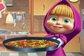 Маша готовит пиццу