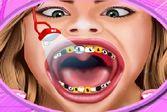 Лечение знаменитости в стоматологическом кабинете