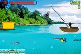 Пингвин ловит рыбу при помощи удочки