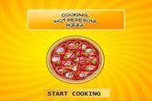 Горячая и вкусная пицца от шеф-повара