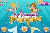 Принцессы примеряют на себе костюмы русалок